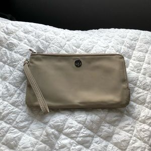 Lululemon wallet